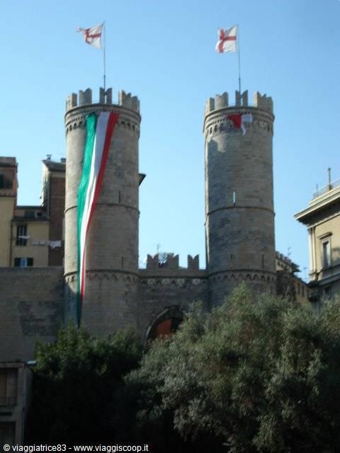 €100 mensili Affitto Locali Genova Centro  Immobilien