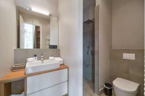 2-Zimmer Wohnung in Luzern Antiquitaeten 2