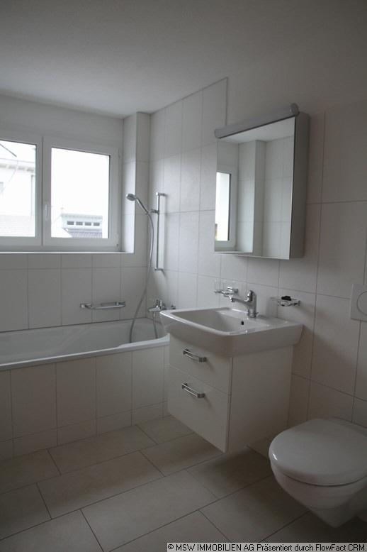 renovierte 3.5 Zi. Wohnung mit grossem gedeckten Balkon 8854 Galgenen Kanton:sz Immobilien 3