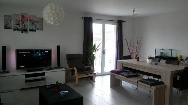 A louer appartement 3,5 pièces (80m2) avec balcon de (53m2) 1564 Domdidier Kanton:fr Immobilien