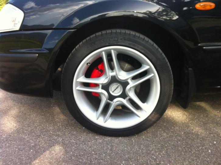 Mazda 323F 1.8i Fahrzeuge 3
