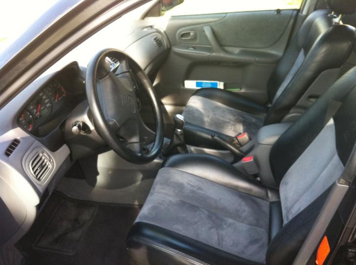 Mazda 323F 1.8i Fahrzeuge 4