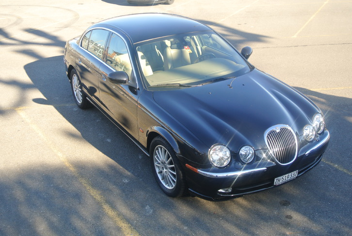 Jaguar S-Type 4.2 V8 Executive Fahrzeuge