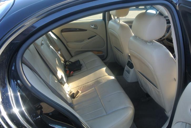Jaguar S-Type 4.2 V8 Executive Fahrzeuge 4