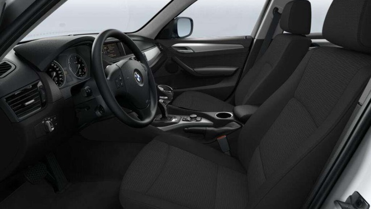BMW X1 xDrive 20i Fahrzeuge 2