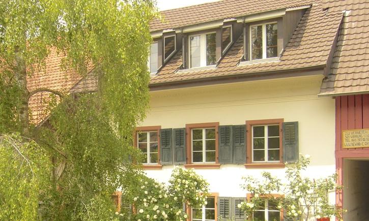 Dachwohnung 5 Zi. ruhig und sonnig 4423 Hersberg Kanton:bl Immobilien