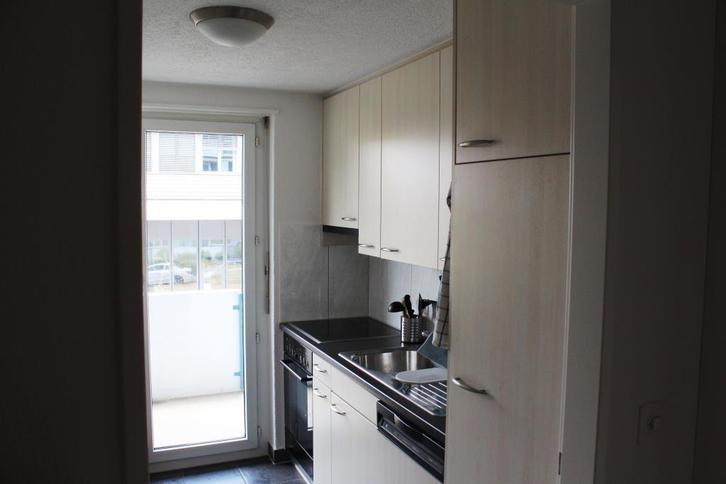 zentrale 2 zimmer wohnung 8610 uster kanton zh rubrik. Black Bedroom Furniture Sets. Home Design Ideas