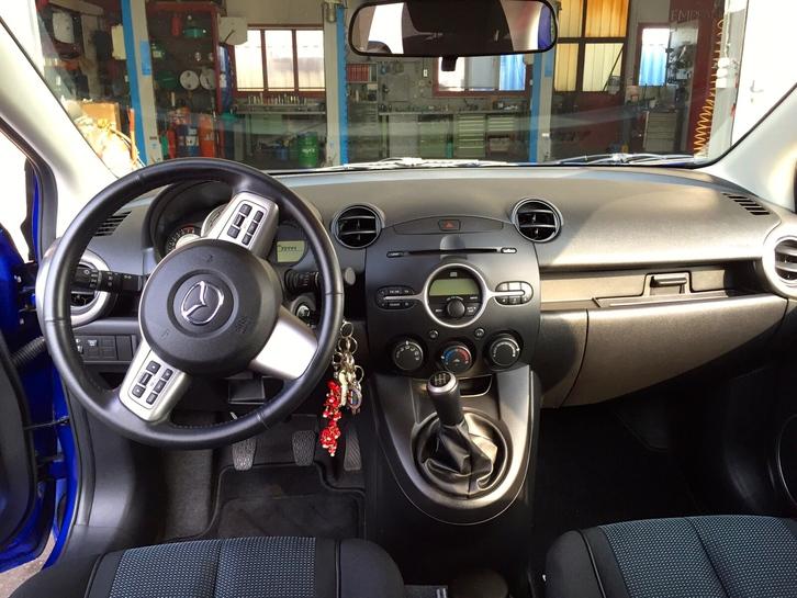 Mazda 2 1.5 Sport Fahrzeuge 4
