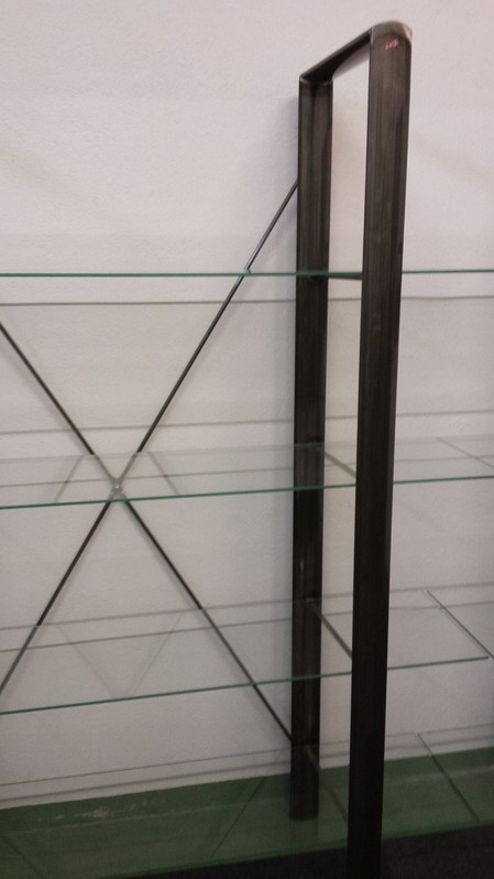 2 Regale Stahl lackiert mit je 4 Glasplatten Haushalt 2