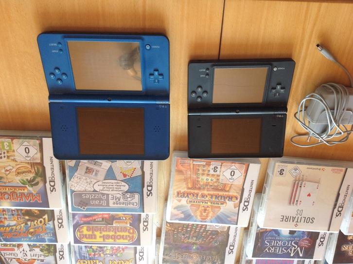 68 DS Nintendo Spiele plus zwei Konsolen  Sonstige