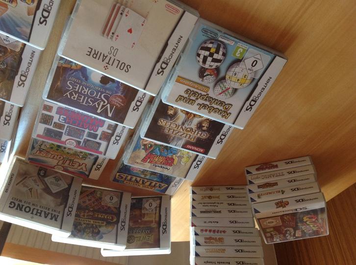 68 DS Nintendo Spiele plus zwei Konsolen  Sonstige 4