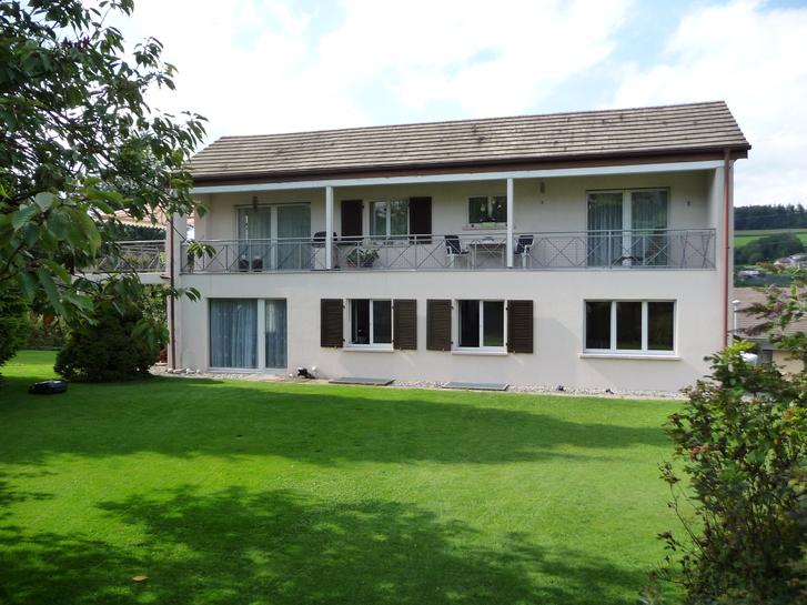 4.5 Zimmer Wohnung in 2-Familienhaus zu vermieten Immobilien