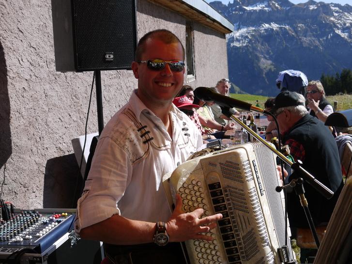 Alleinunterhalter Dani Rupf Musik