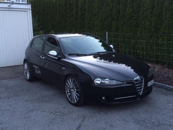 Alfa Romeo 147 1.9 16V JTD Sport TI Fahrzeuge