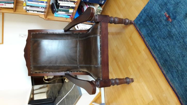 Schöne alte Möbel und mod.Couch Antiquitaeten 3
