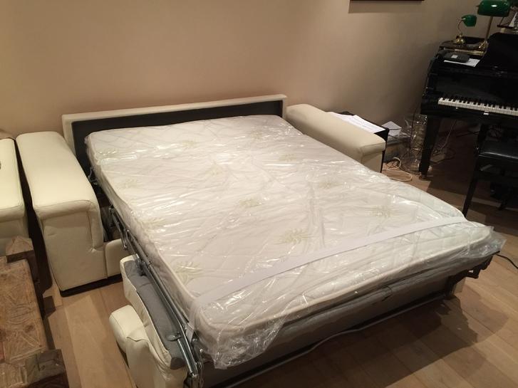 Pures weisses Leder Sofa - Bett - Schlafsofa Haushalt 2