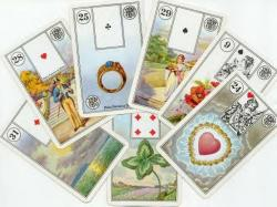 Kartenlegerin / Medium Sonstige