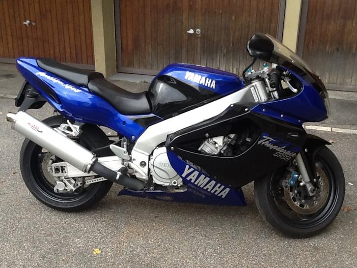 Yamaha YZF 1000 R Fahrzeuge