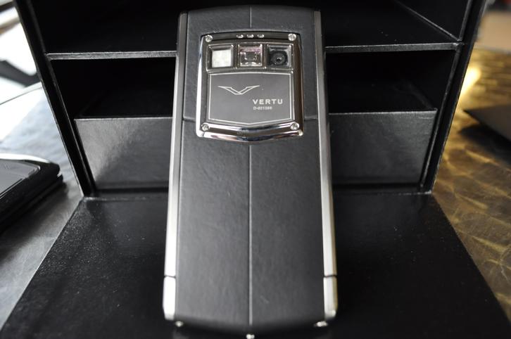 Vertu TI Android Telefon & Navigation 3