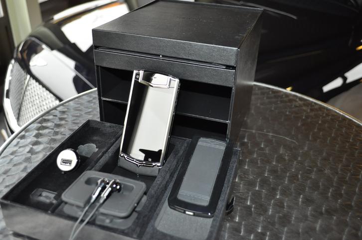 Vertu TI Android Telefon & Navigation 4