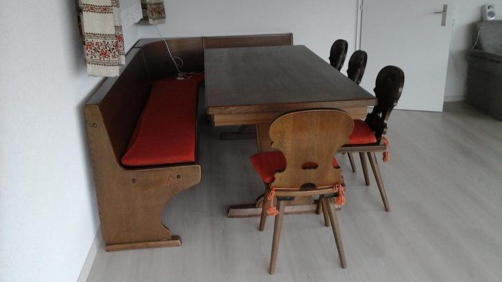 eckbank tisch und stabellen Antiquitaeten 2