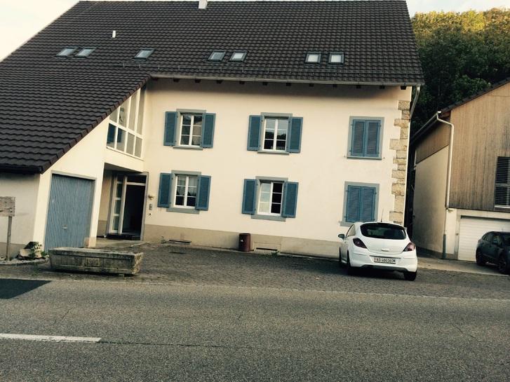 Helle gross Wohnzimmer 4.5 Immobilien 4