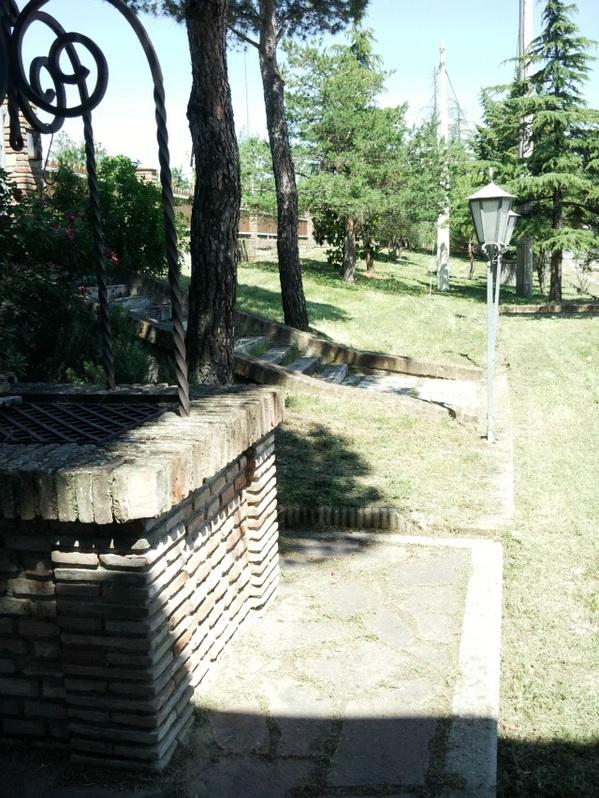 Rustico con capannone e terreno Immobilien 2