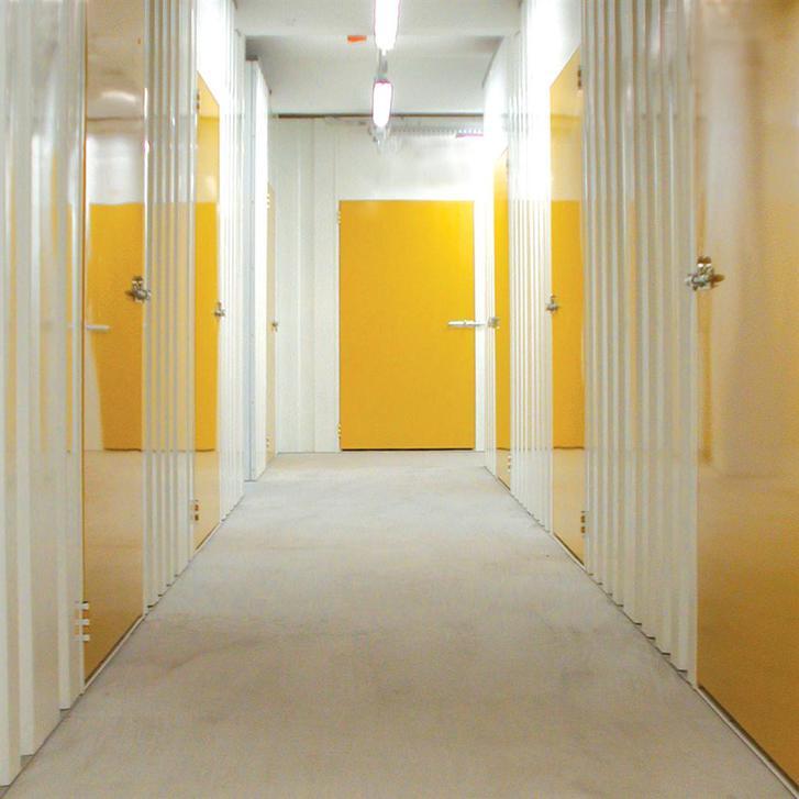 Affittasi magazzini e depositi allarmati per privati e aziende Immobilien 2