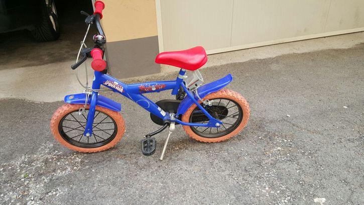 Vendo Bici Spiderman 14'  Baby & Kind