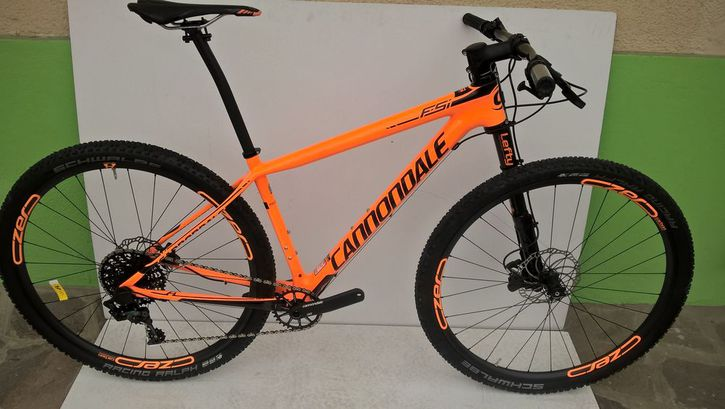 Cannondale F-Si Carbon 2 2016 nuovo  Sport & Outdoor