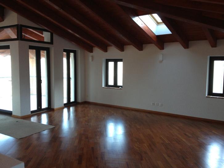 Vendesi casa ticinesi di nucleo con vista lago, Bioggio, Luganese. Immobilien