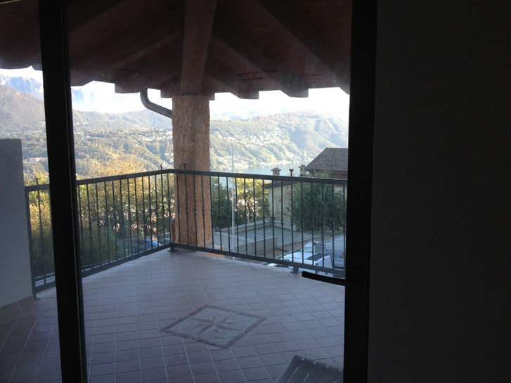Vendesi casa ticinesi di nucleo con vista lago, Bioggio, Luganese. Immobilien 2