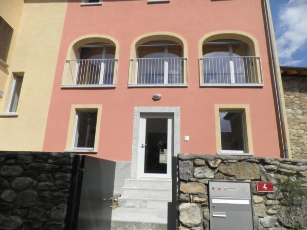 7 rooms single family house renovated in Collina D'Oro Haushalt