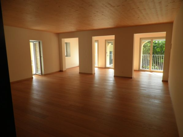 7 rooms single family house renovated in Collina D'Oro Haushalt 4