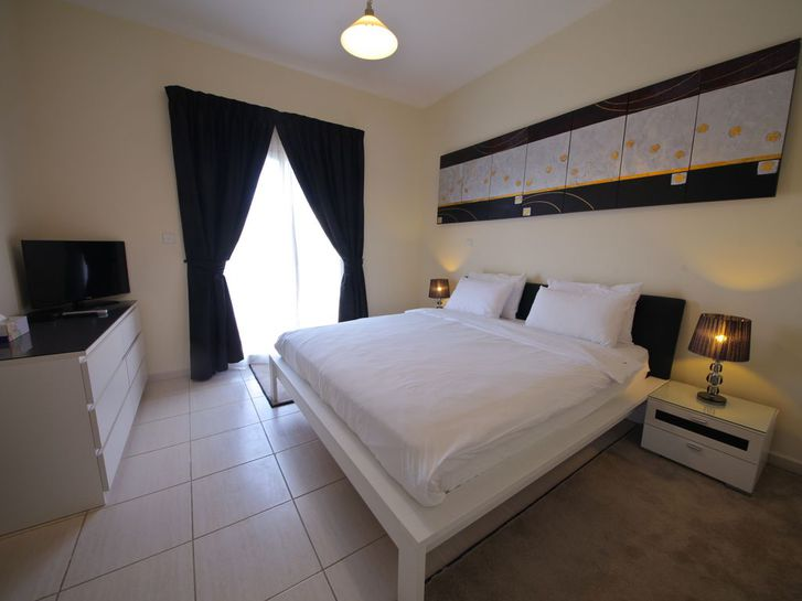 Anspruchsvolles 2 Schlafzimmer möbliert Immobilien 2