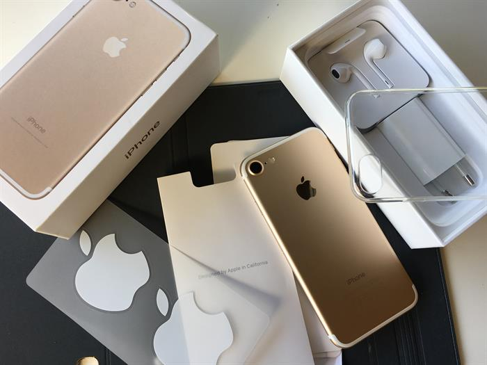Apple iPhone 7 32GB per €350 e Apple iPhone 7 Plus 32GB per €375  e  Samsung galaxy S8 64GB = €420  Telefon & Navigation