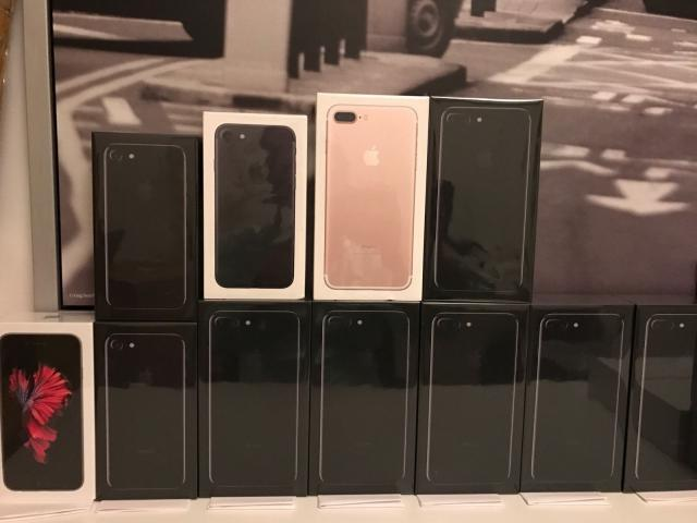 Apple iPhone 7 €350 Euro iPhone 7 Plus Samsung S8 €410 S8 Plus Note 8 S7 edge S7 €320euro Telefon & Navigation 2