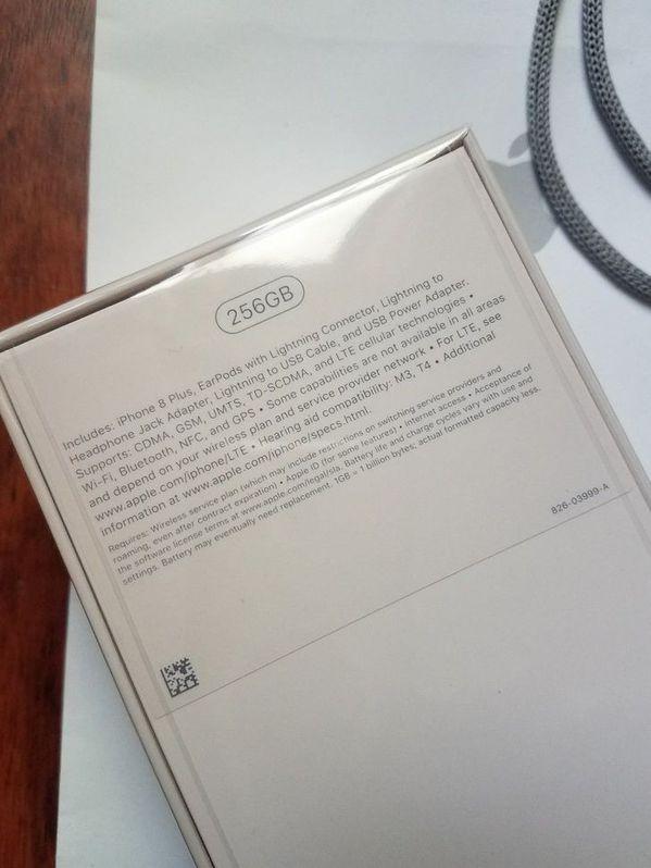 Apple iPhone 8 And 8 Plus (64/256 GB) Factory Unlocked Telefon & Navigation 2
