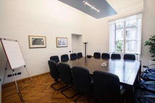 Apri il Tuo Ufficio nel Cuore della Capitale  Büro & Gewerbe