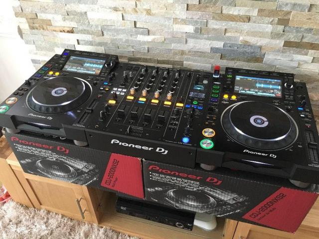 Available Yamaha Tyros 5, Pioneer DJ CDJ 2000, Korg PA4X TV & Audio 2
