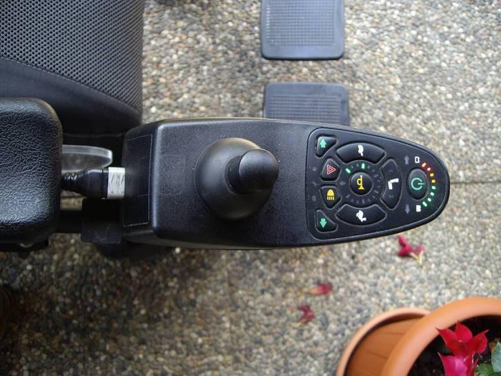 Carrozzina elettrica per disabili Fahrzeuge 3
