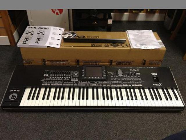 FOR SALE: Yamaha Tyros 5 Workstation Keyboard Musik