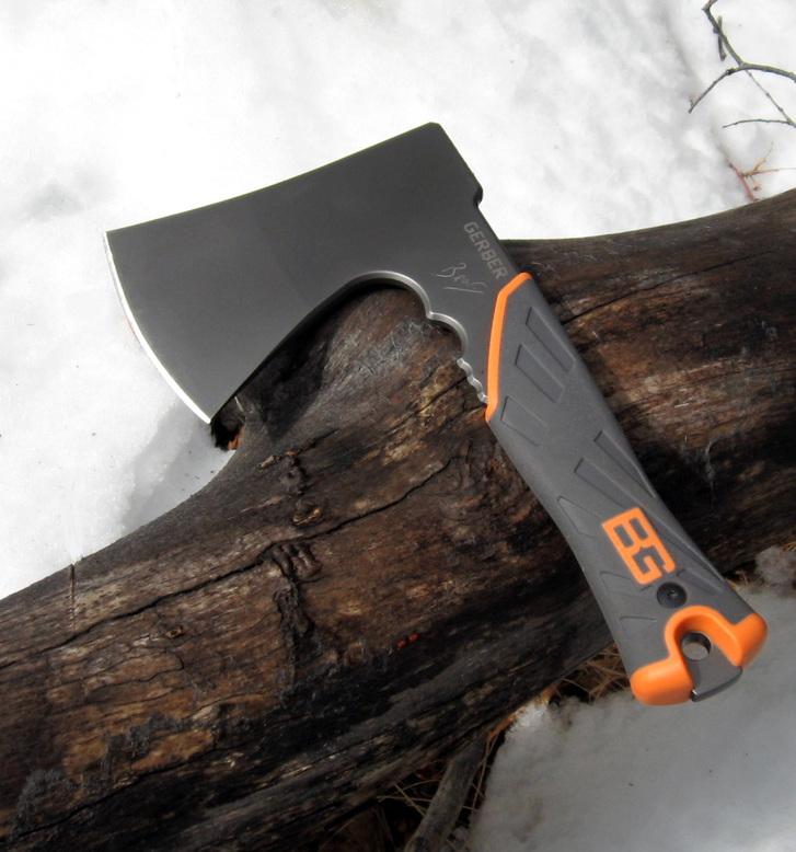Gerber Bear Grylls Camping Outdoor Survival Axt mit Nylon-Scheide Camping Beil Hatchet TV Serie Sport & Outdoor 2