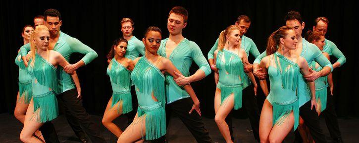 Lernen Sie die Schritte von Salsa bei den führenden Salsa-Tanzschulen Sonstige 2