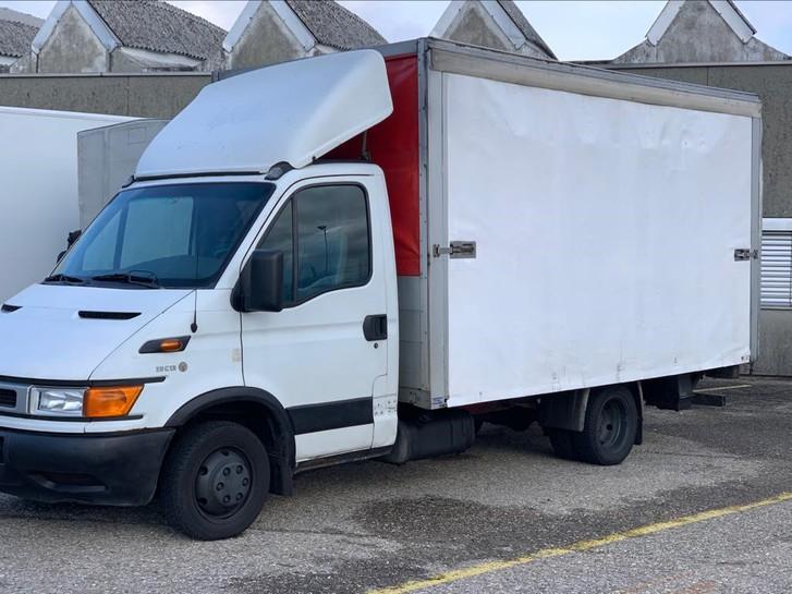 Lieferwagen und Transporter mieten Fahrzeuge 2