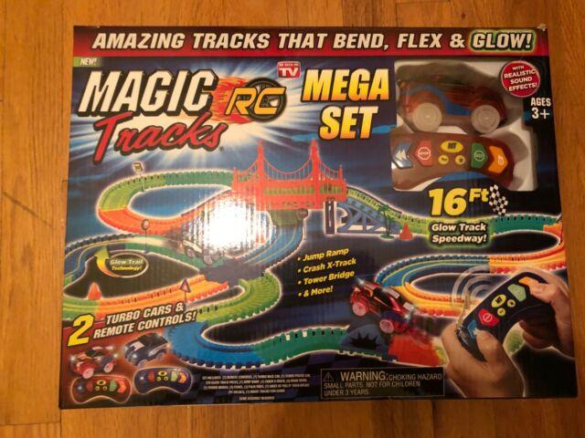 Magic Tracks RC Racer Mega Set inkl. 2 Autos Rennbahn leuchtet Auto Spielzeug Kind Indoor Zuhause Deheimu Baby & Kind