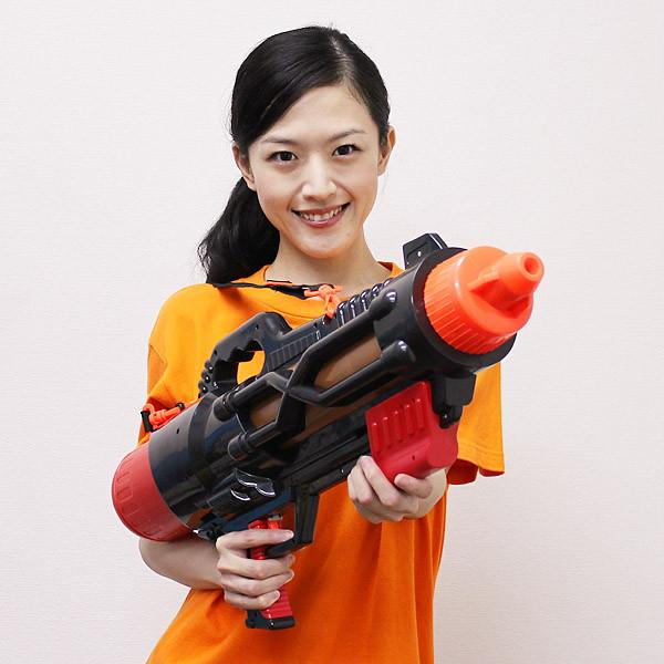 Riesen Wasserpistole Wassergewehr XXL XXXL Sommer Wasser Spielzeug Pistole Gewehr Wasserschlacht Sommer Junge Kind Kinder Badi 75cm / Neu Garten & Handwerk 2