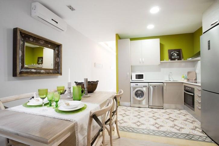 Schöne Wohnung - voll möbliert Immobilien