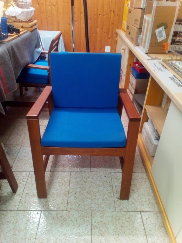 Sedie in legno massello con cuscini Haushalt