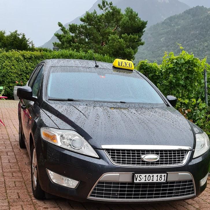 Taxi Sierre 3960 Antiquitaeten